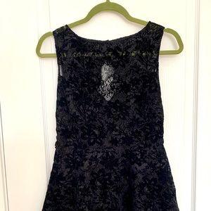 Alice+Olivia Black Lace Back half open Dress